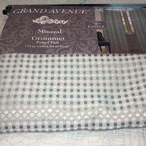 New Grand Avenue Dean Mineral Grommet 2 panels